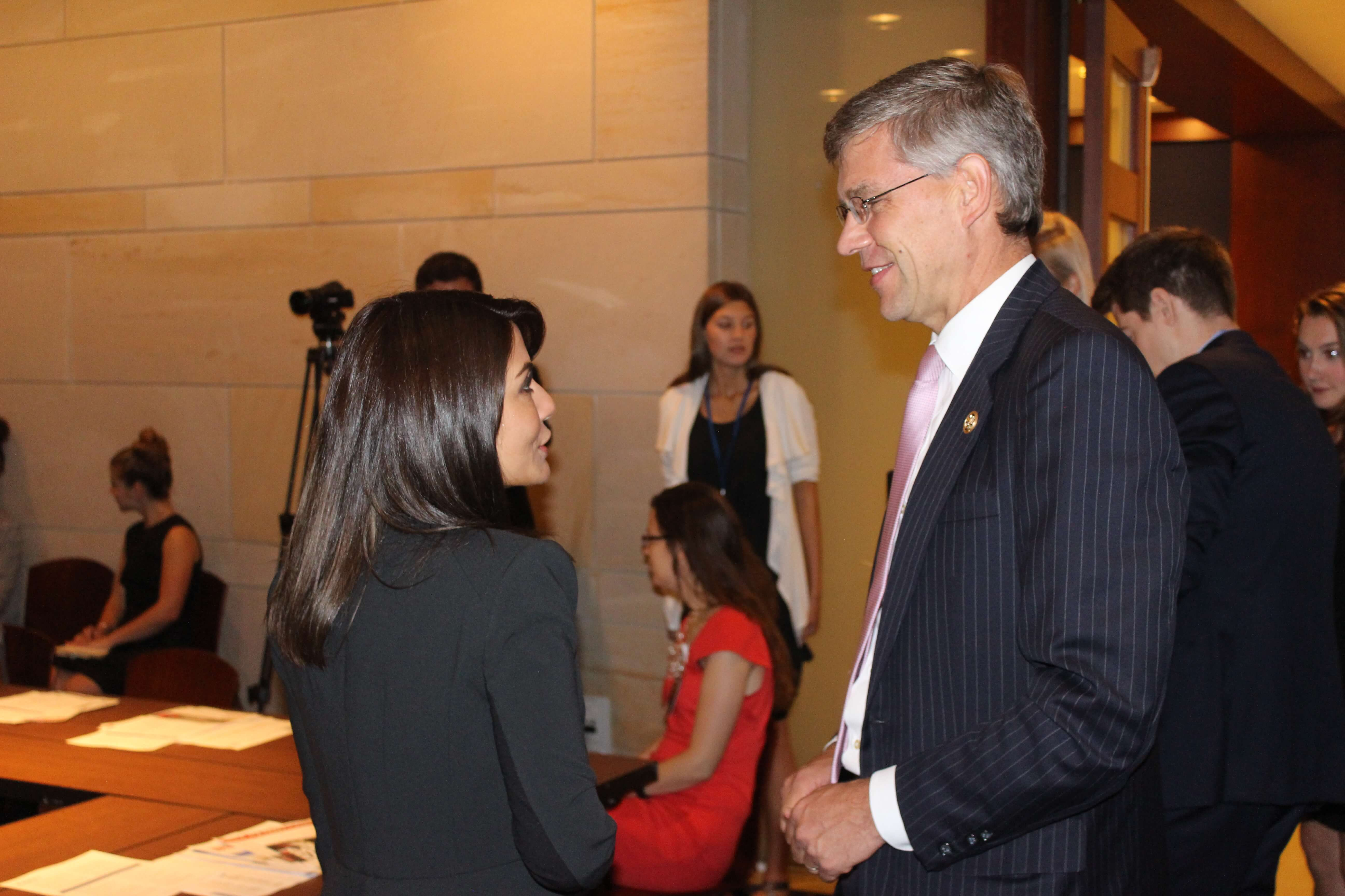 Marisol Nichols and Congressman Paulsen